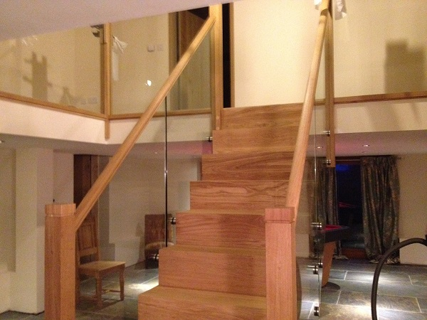 Oak and Glass staircase 2